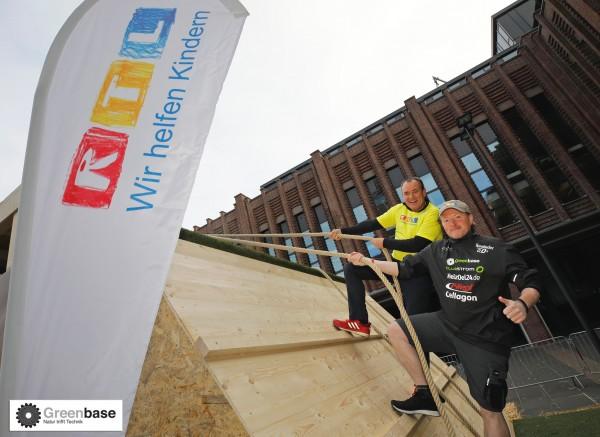 3-Greenbase-beim-RTL-Spendenmarathon-Joey-Kelly-mit-Wolfram-Kons